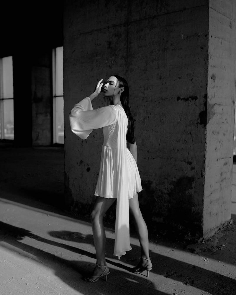 RUCHED BODICE MINI DRESS IN WHITE