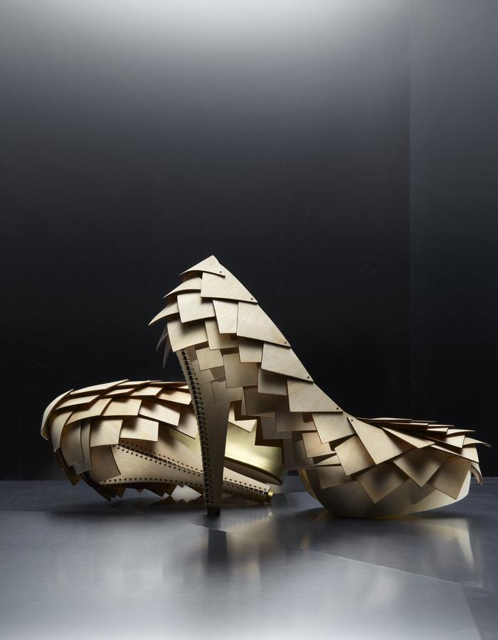 Scale Heels made of wood
