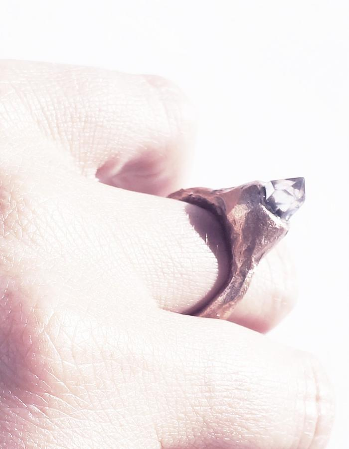 Dreams of Norway jewelry design ring with quartz