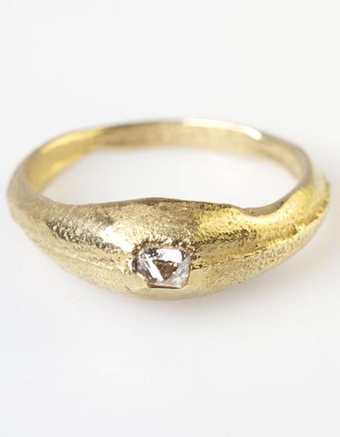 Senate ring , 1 large old cut diamond set in 18ct gold
