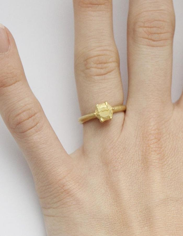 Solid solitaire ring