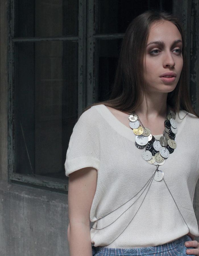 Wool georgette blouse. Accessories by Rikov