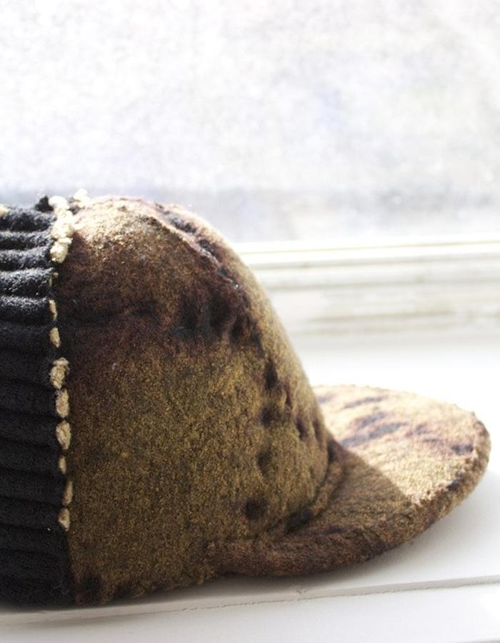 Texture intense baseball hat in Black Python with ribbed back