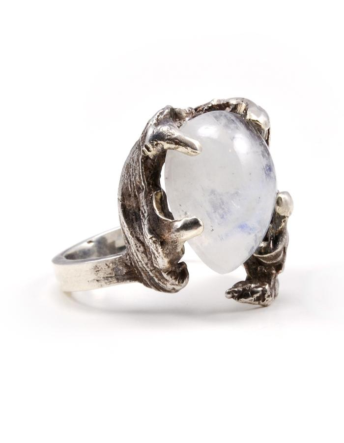 Asteria ring