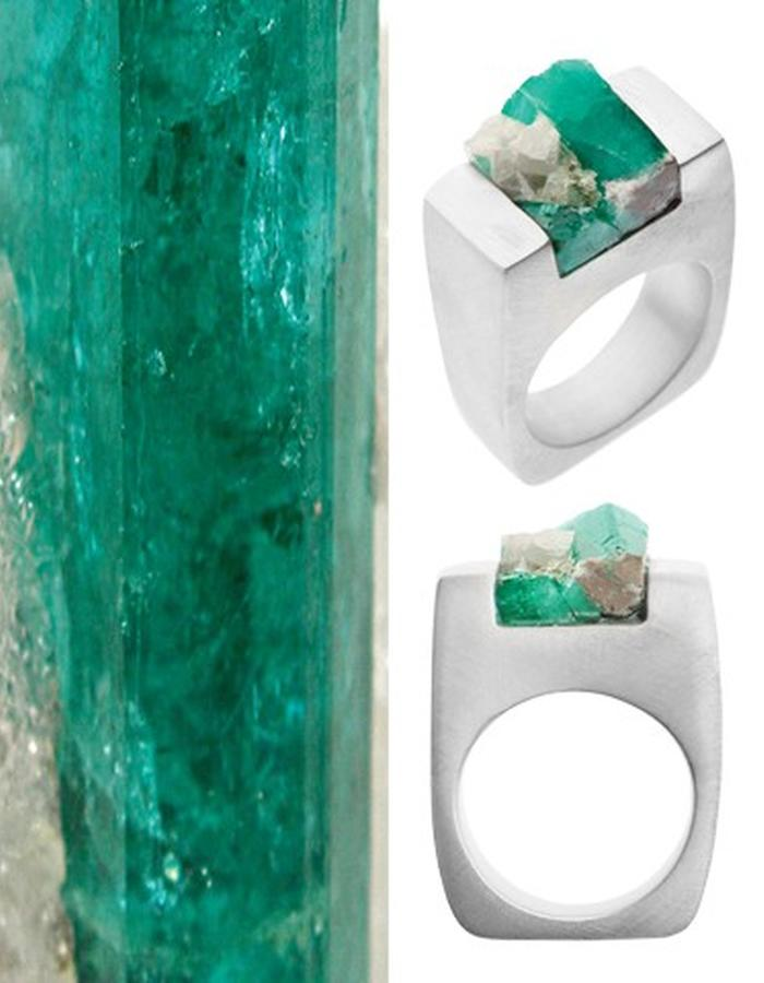 Of a Kind Emerald and Silver Ring_Love_Handcrafted by Pasionae