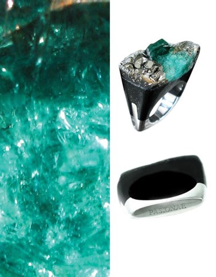Of a Kind Emerald and Silver Ring_Distress_Handcrafted by Pasionae