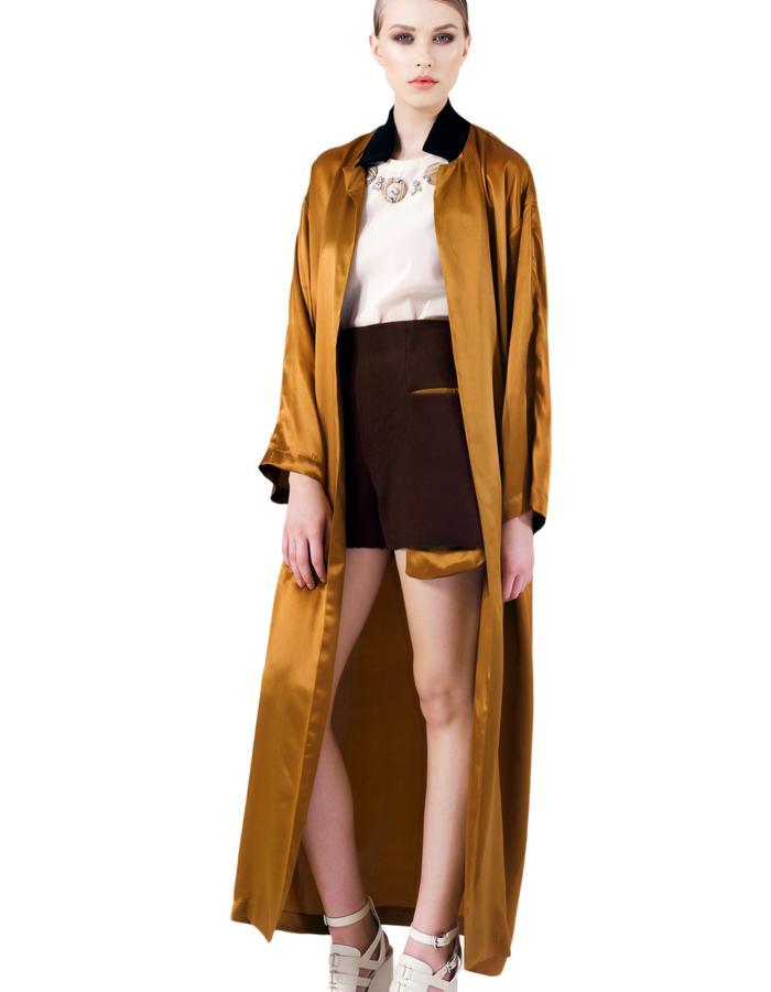 Golden Mousse Short Pants