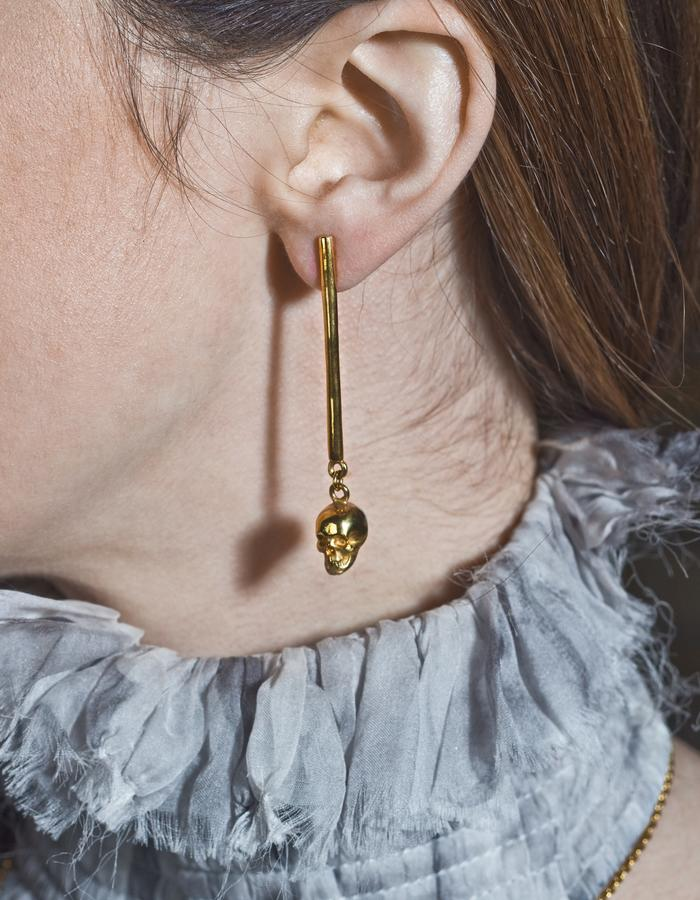 Gisele Ganne Crusade Spear skull earrings