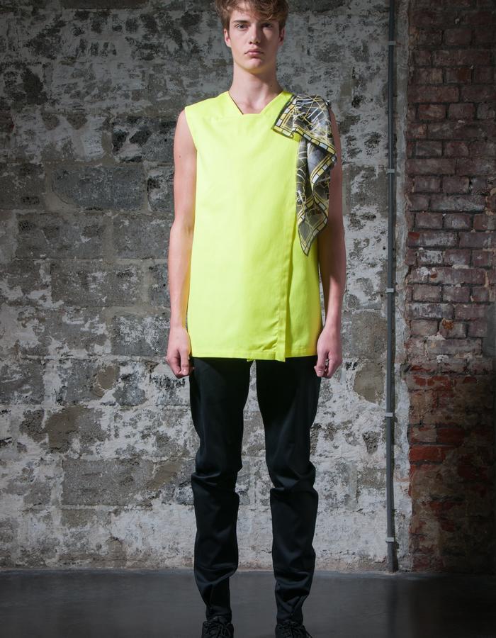 AAGE/T-Shirt + SVEND2/Scarf + SOREN/Pants
