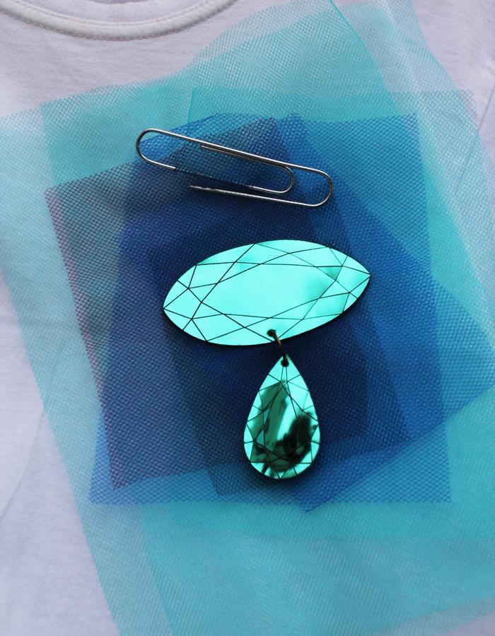 MonaVelciov Monotip Koh-i-Noor brooch