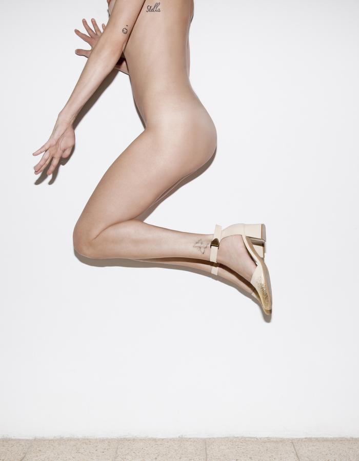 Mid high 60' heel pumps, EDIE '60 SPLASH, strap buckled ankle, nude goat suede leather printed with a splash of gold