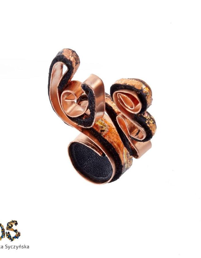 Copper/Leather Ring Dominika Syczynska