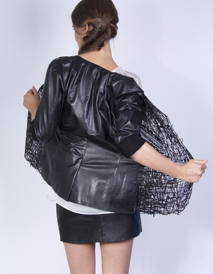 Drawn jacket 02 - Elvira 't Hart