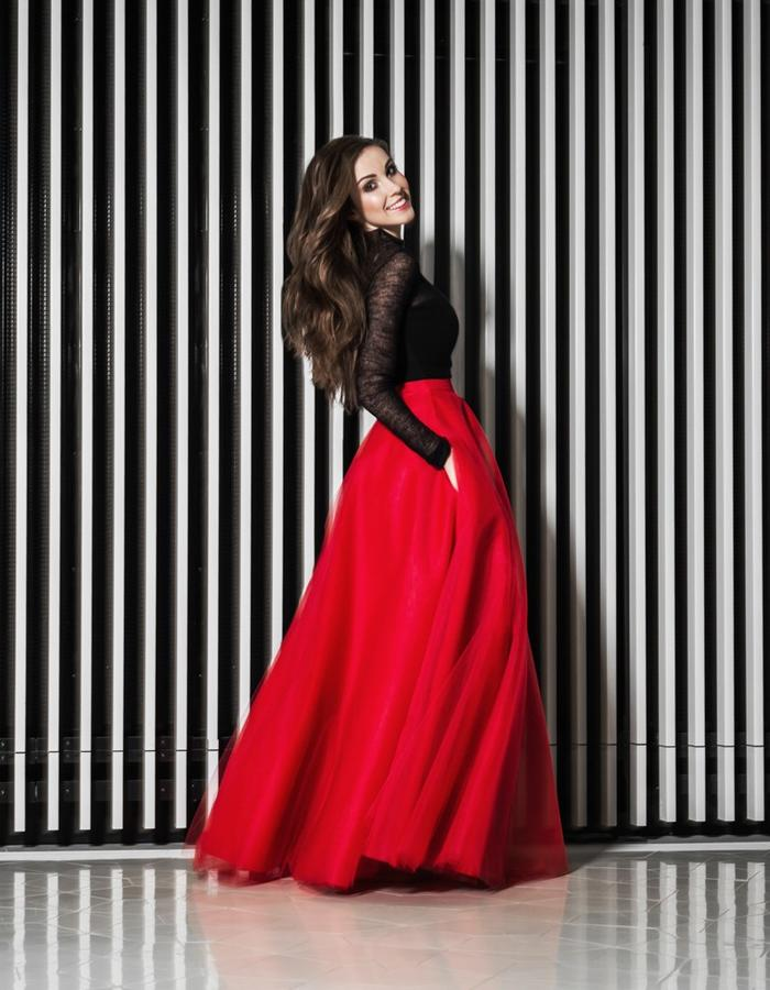 Red maxi skirt with pockets