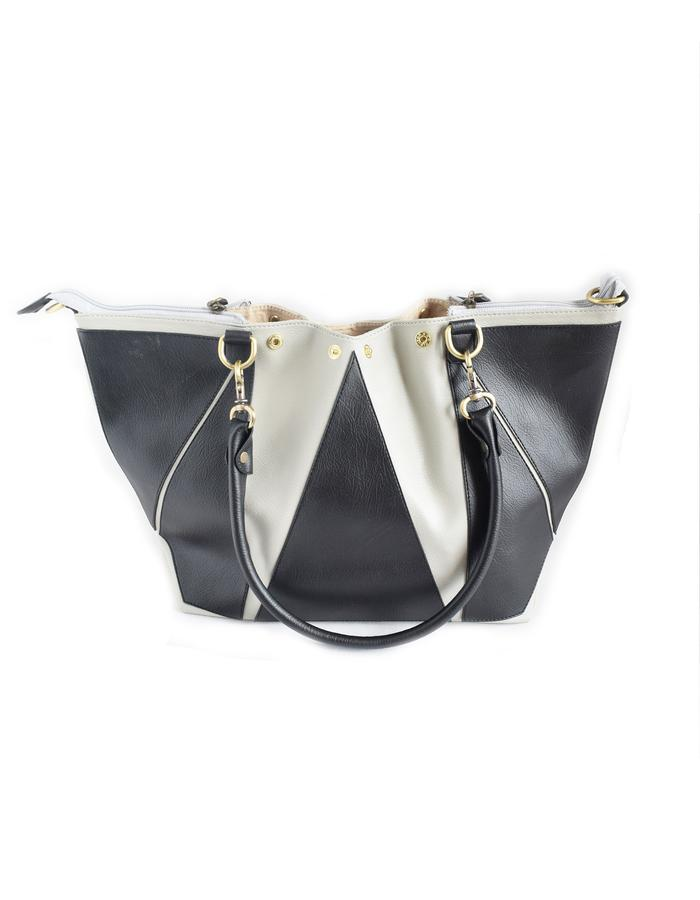 Inka shapeshifter bag, second transformation