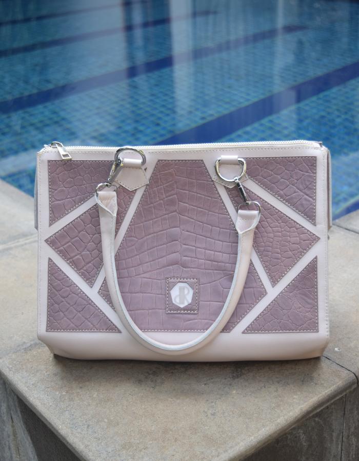 Nandia shapeshifter bag