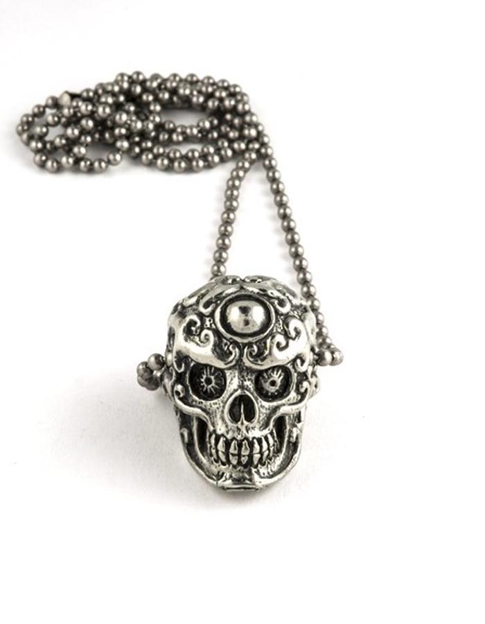 Skulls: Silver pendant
