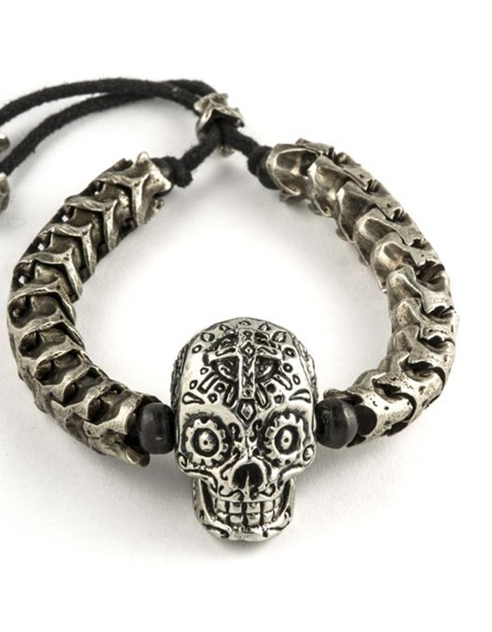 Skulls: Bracelet w/ large skull