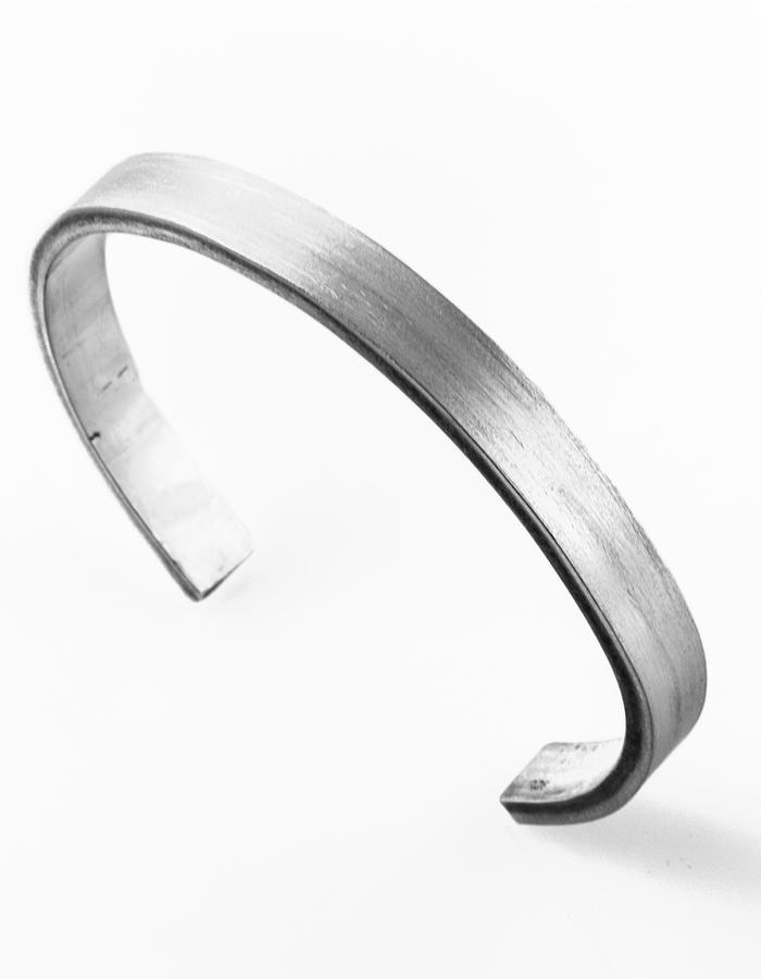 Pulse: Matte bracelet