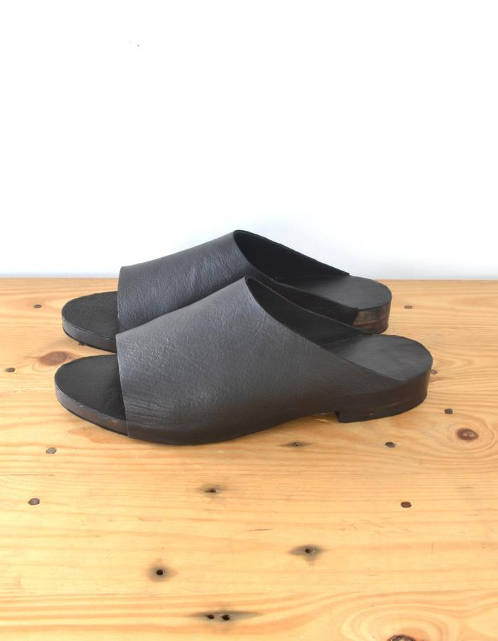 recycled leather slippers with pine soles