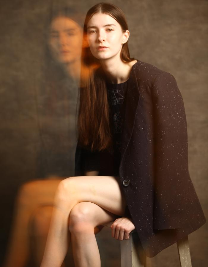 Woven cotton black marble blazer.