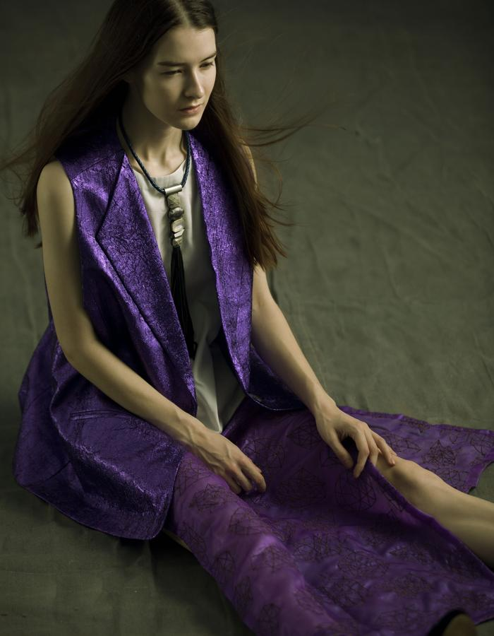 Oversized Violet sleeveless jacket in wrinkled poly blend