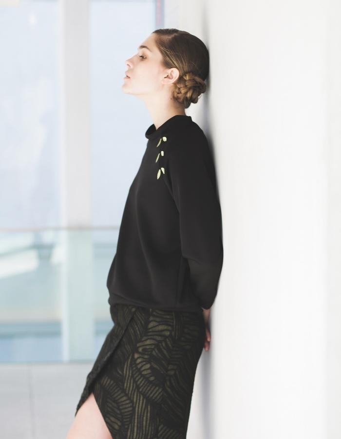 Embroidered sweatshirt and skirt aw15 LIVLOV