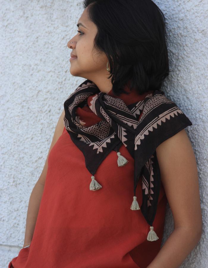 Ajrakh scarf- alizarin/ black/ beige