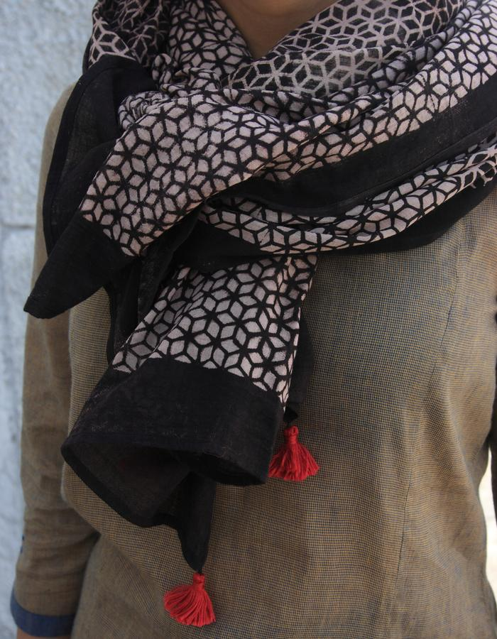 Ajrakh stole- black/ beige in traditional jaali print