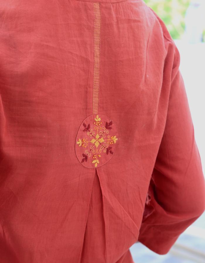 Avani- pleated tunic, back detail