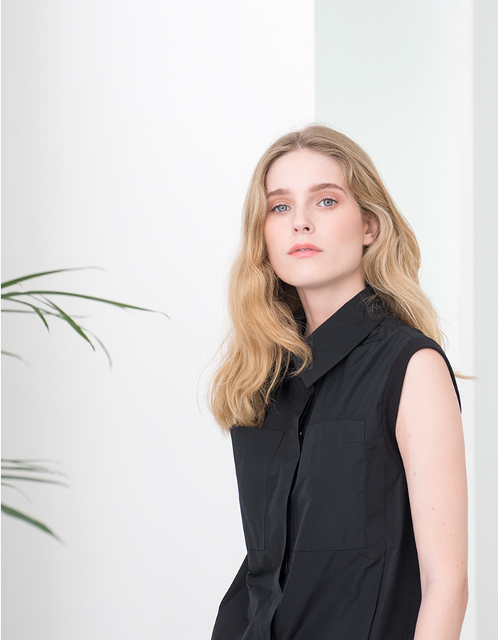 Magpie Goose Black Sleeveless Monocline taffeta shirt