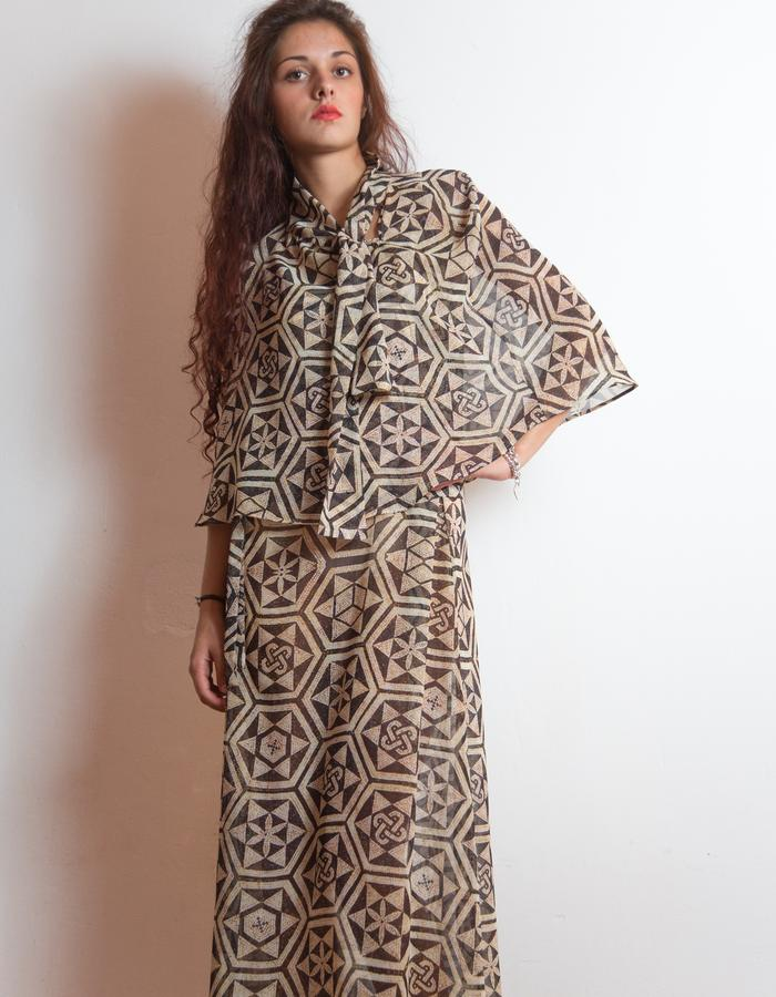 Dress and cape, printed silk.