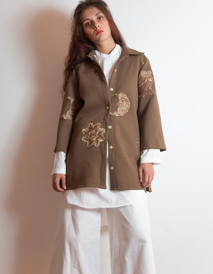 Embroider crepe wool jacket.