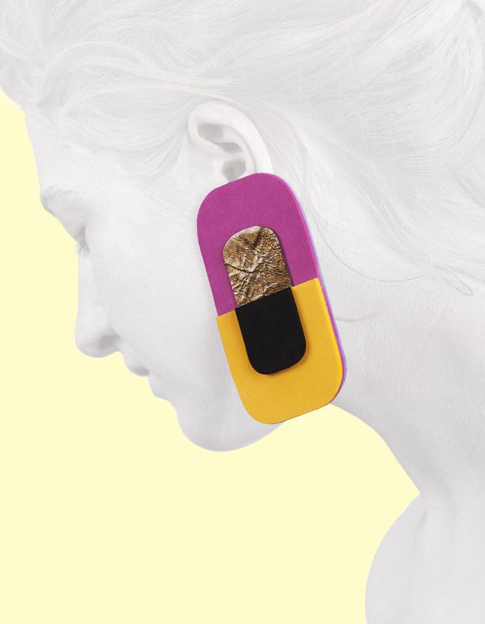 Earring made of neoprene and leather