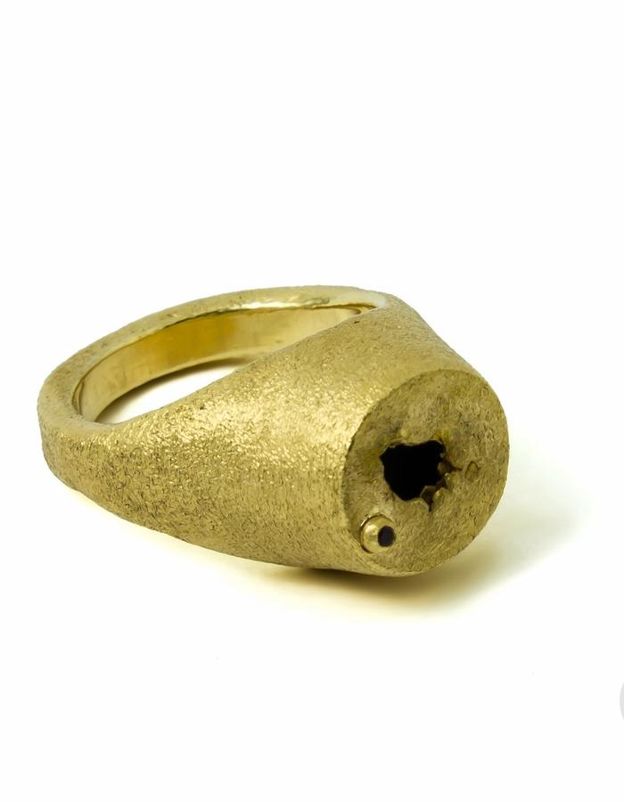 Cracks Signet Ring
