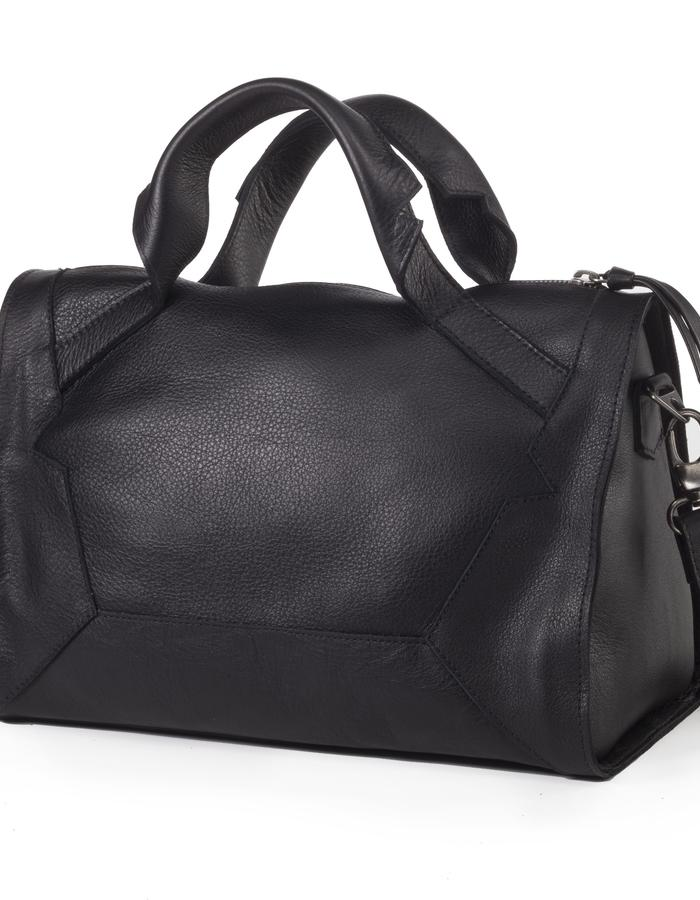 Alexander black color tote by Colle'cte