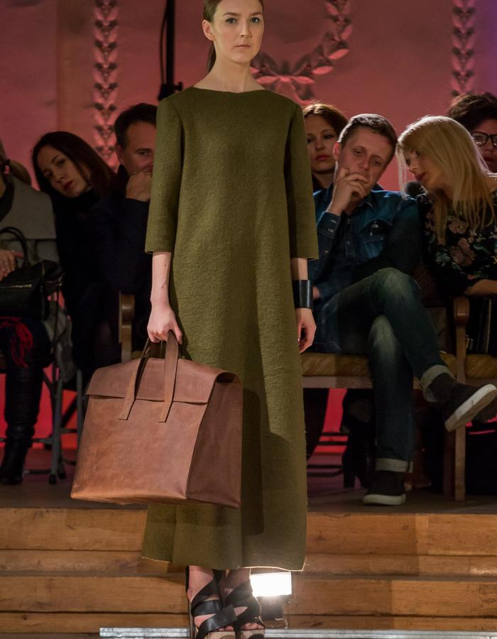 Green Wool Long Dress Brown Oversized Bag
