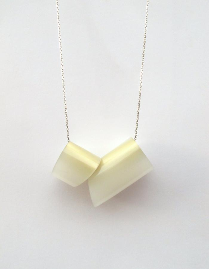 Milky Maki Large Necklace