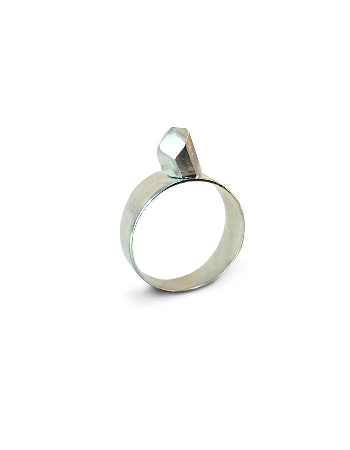 Simple Petra - 925 Silver ring with hand carved rock.