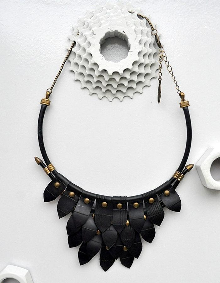 Tiamat maxi necklace