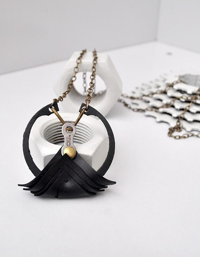Lotan necklace