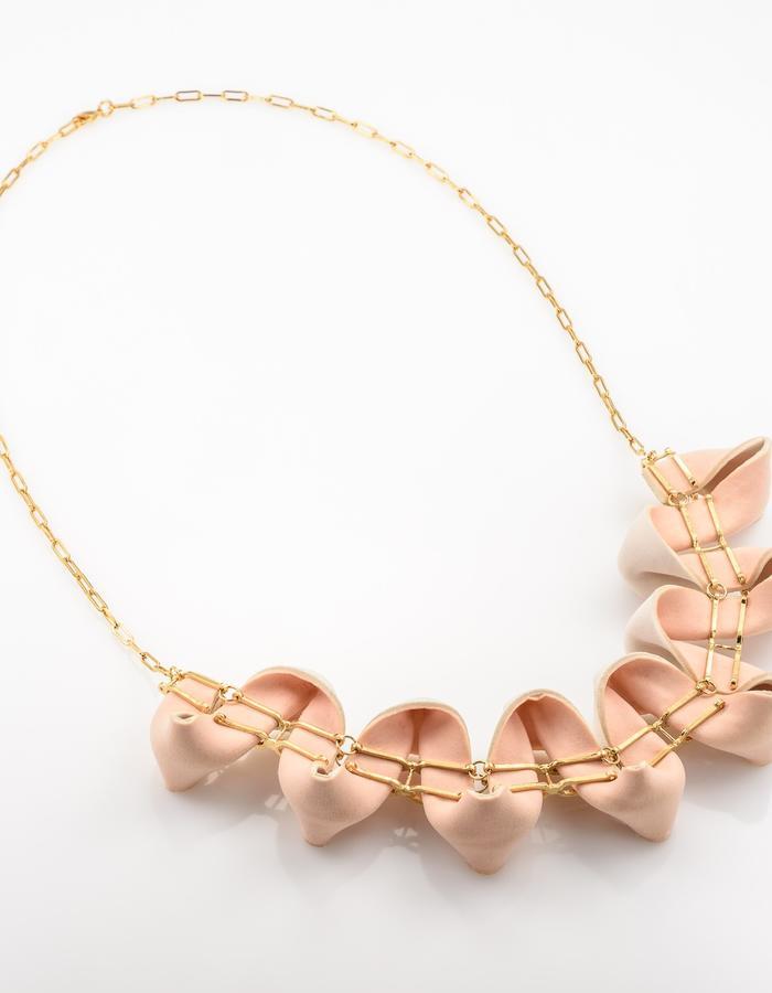 U - necklace