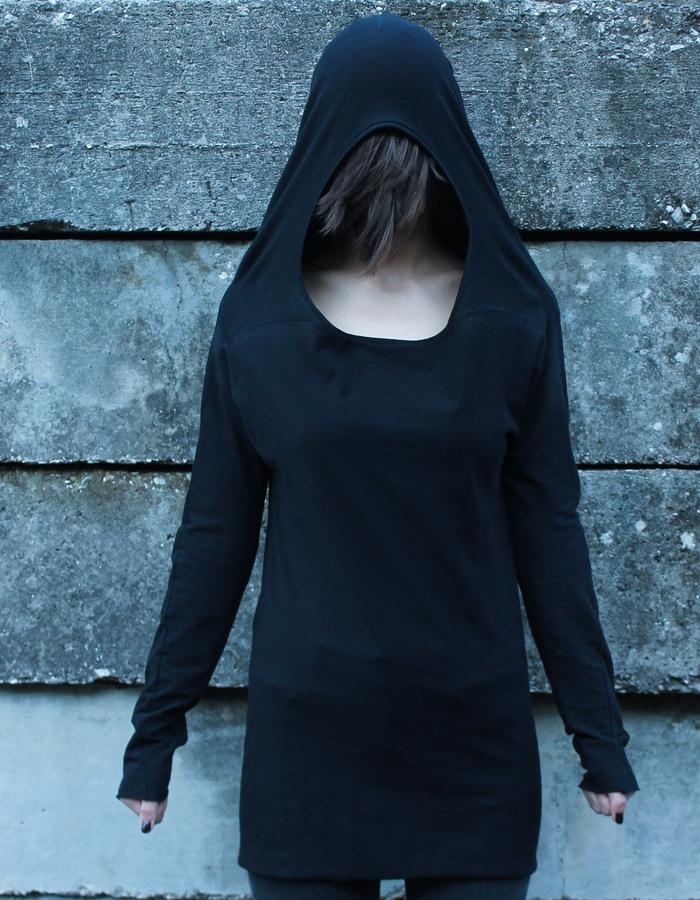 [ ANDROGYNOUS ] hood front