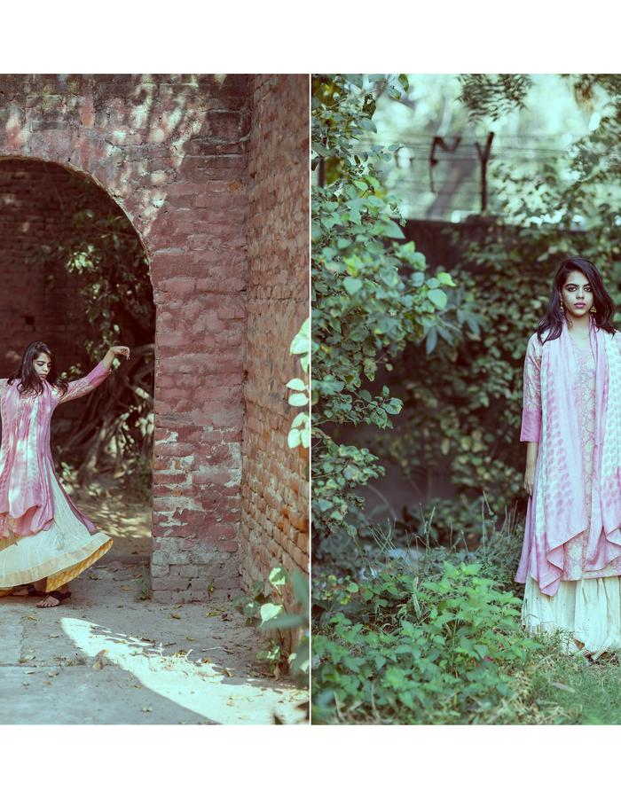 Pink jaal kurta with gold printing & gota work skirt