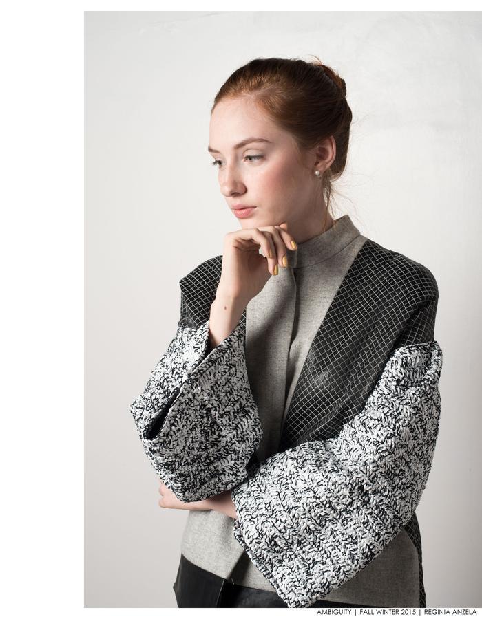 Plastic knitted sleeve-looks 1