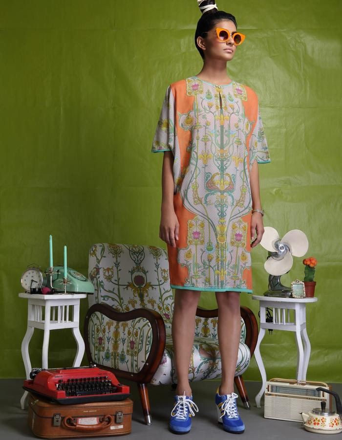 Crepe tunic with digitally printed patch on back and front