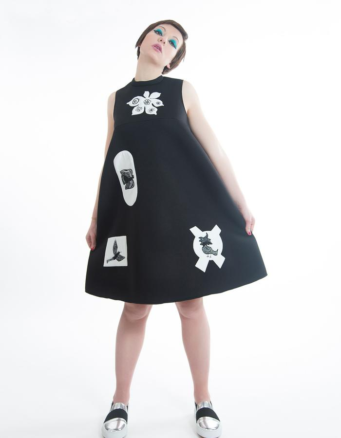 "Neoprene carré dress with cotton appliqué and thread embroidery, ""oiseaux-fleurs"" pattern"