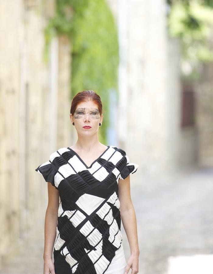 Fashion Lagrasse, made in France, plisse effect, Eppo, Fashion Designer, stylist,Languedoc-Roussillon