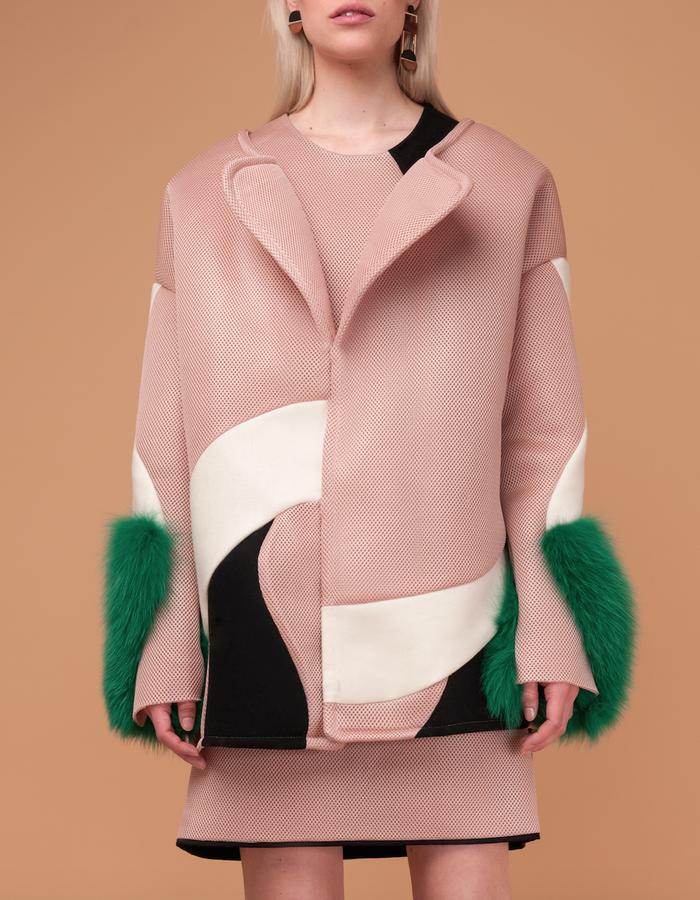 Material: Wool, Mesh, Fox fur.