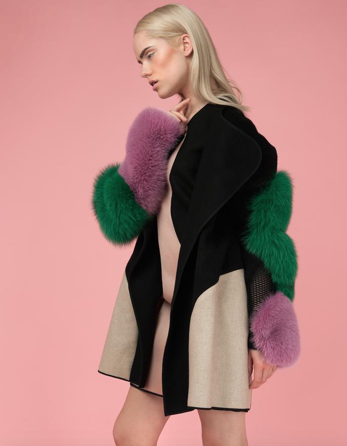 Material: Mesh, Alpaca, Wool, Cashmere, Fox fur.